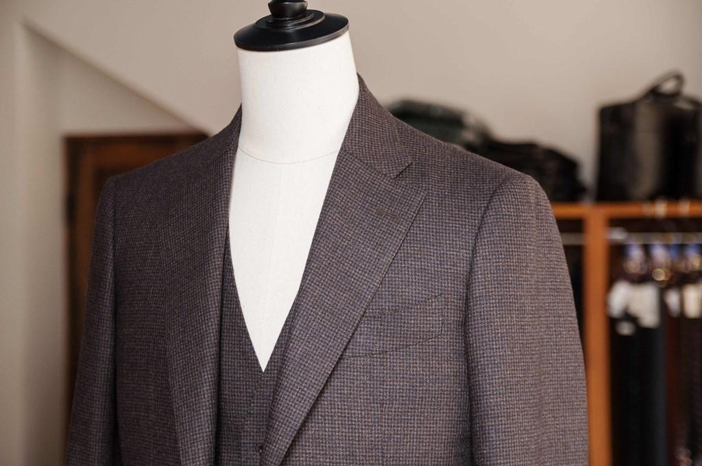 成人式のブラウンスーツ